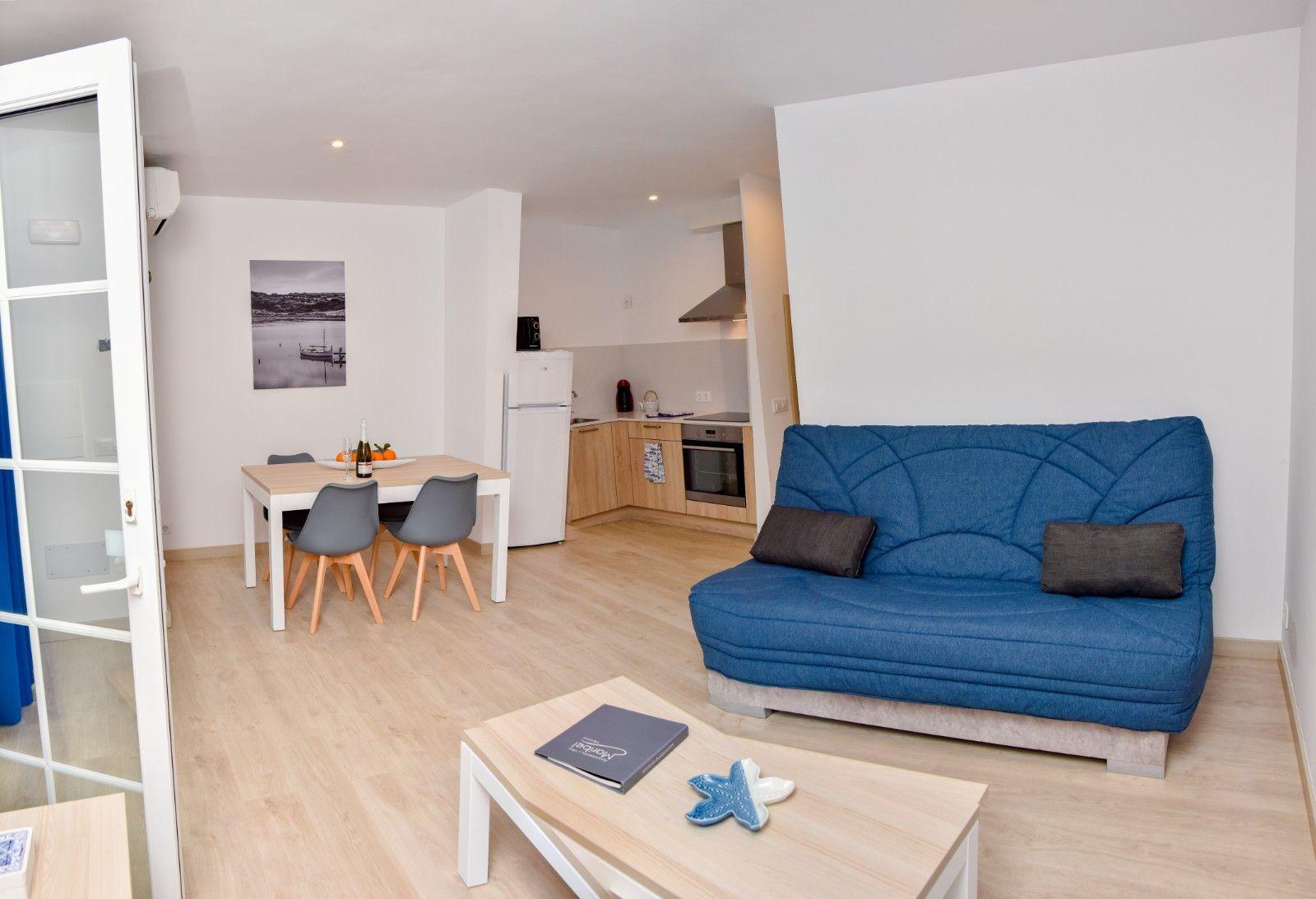 2 Bedroom Apartment - Apartamentos Maribel - Cala Blanca - Ciutadella